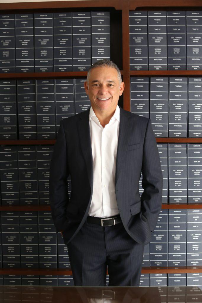 Rodrigo Llausas Azcona presidente del consejo notarial del estado de sinaloa