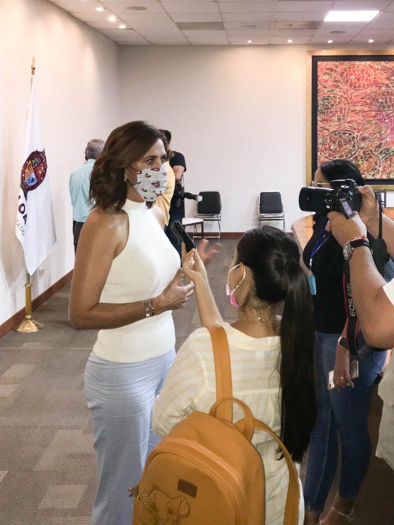 Rosy Isela Fuentes de Ordaz en entrevista en el mes del testamento